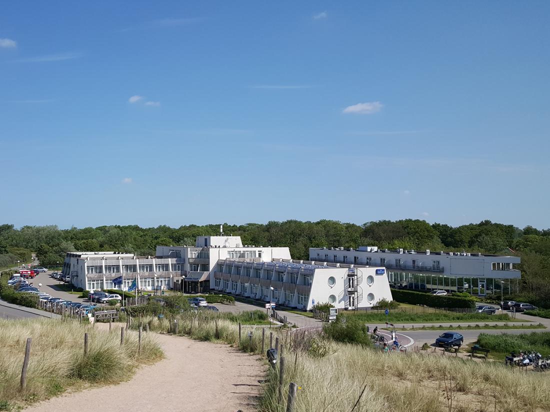 Strandhotel Westduin Hotelovernachting Aanzicht