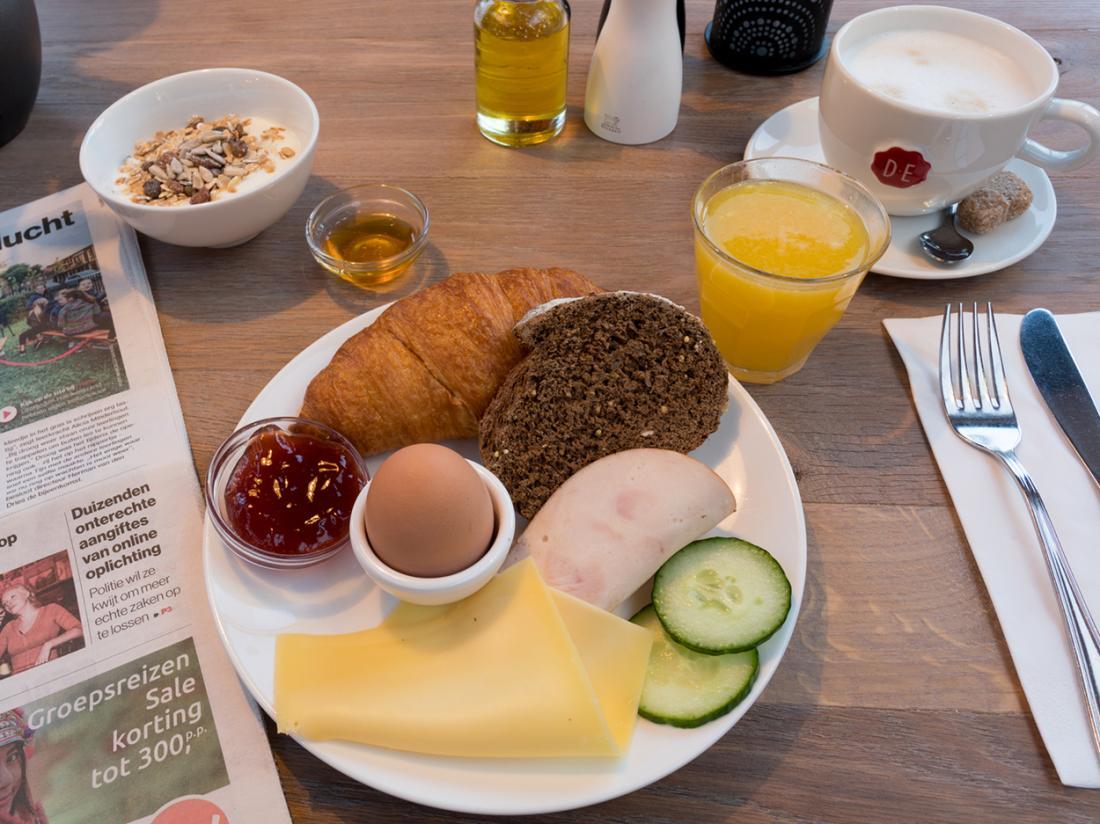 Strandhotel Westduin Hotelovernachting Zeeland Ontbijtbuffet