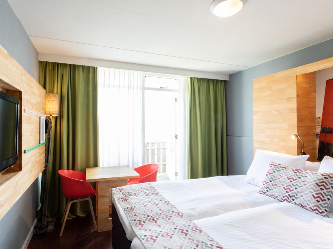 Strandhotel Westduin Weekendjeweg Zeeland Hotelkamer Zitje