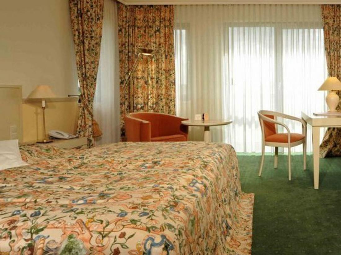 Weekendjeweg Meerbusch Hotelkamer
