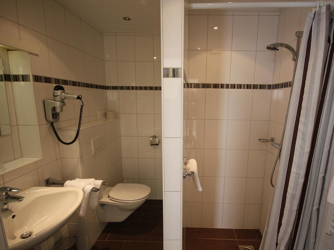 Hotel Maas Ootmarsum Badkamer