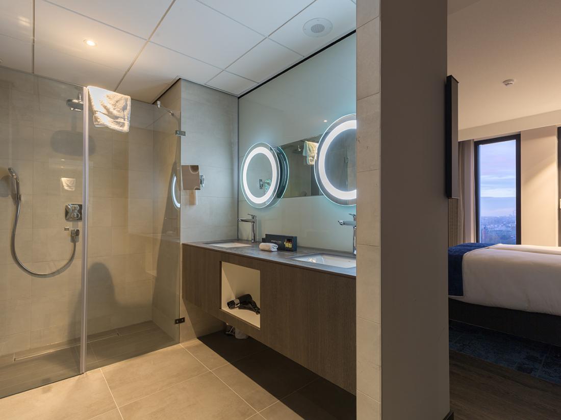 Badkamer suite weekendjeweg Amsterdam