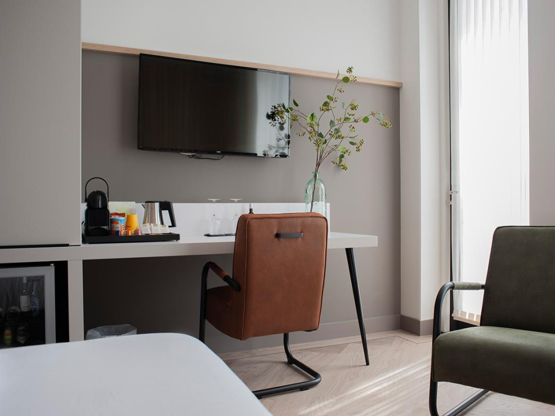 Weekendjeweg Voorthuizen 2 en 4 persoons luxe hotel kamer zitje