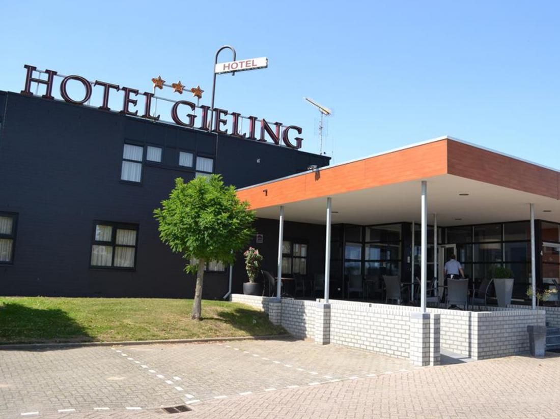 Hotel Gieling weekendjeweg Buitenaanzicht