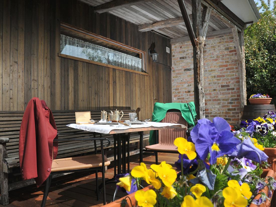 Hotel De Stokerij Belgi Weekendjeweg Vlaanderen Overnachting terras
