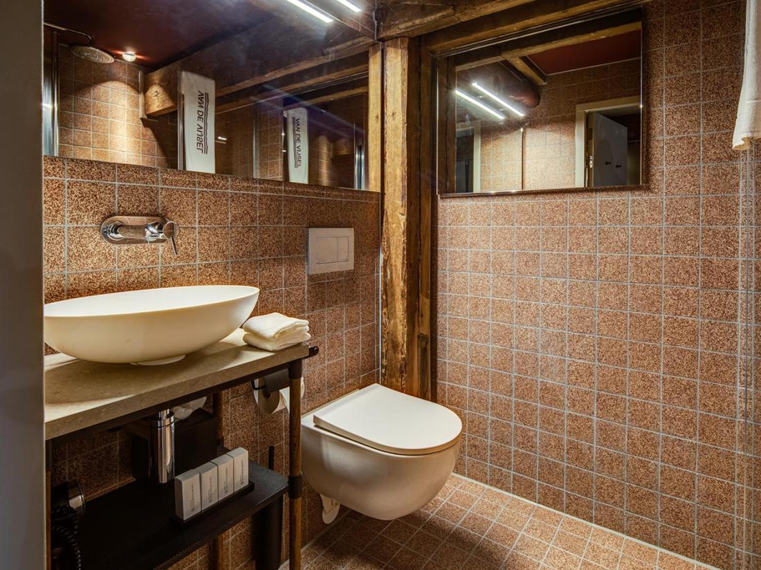 Hotel van de Vijsel Hotelovernachting Amsterdam Small Double Room Badkamer