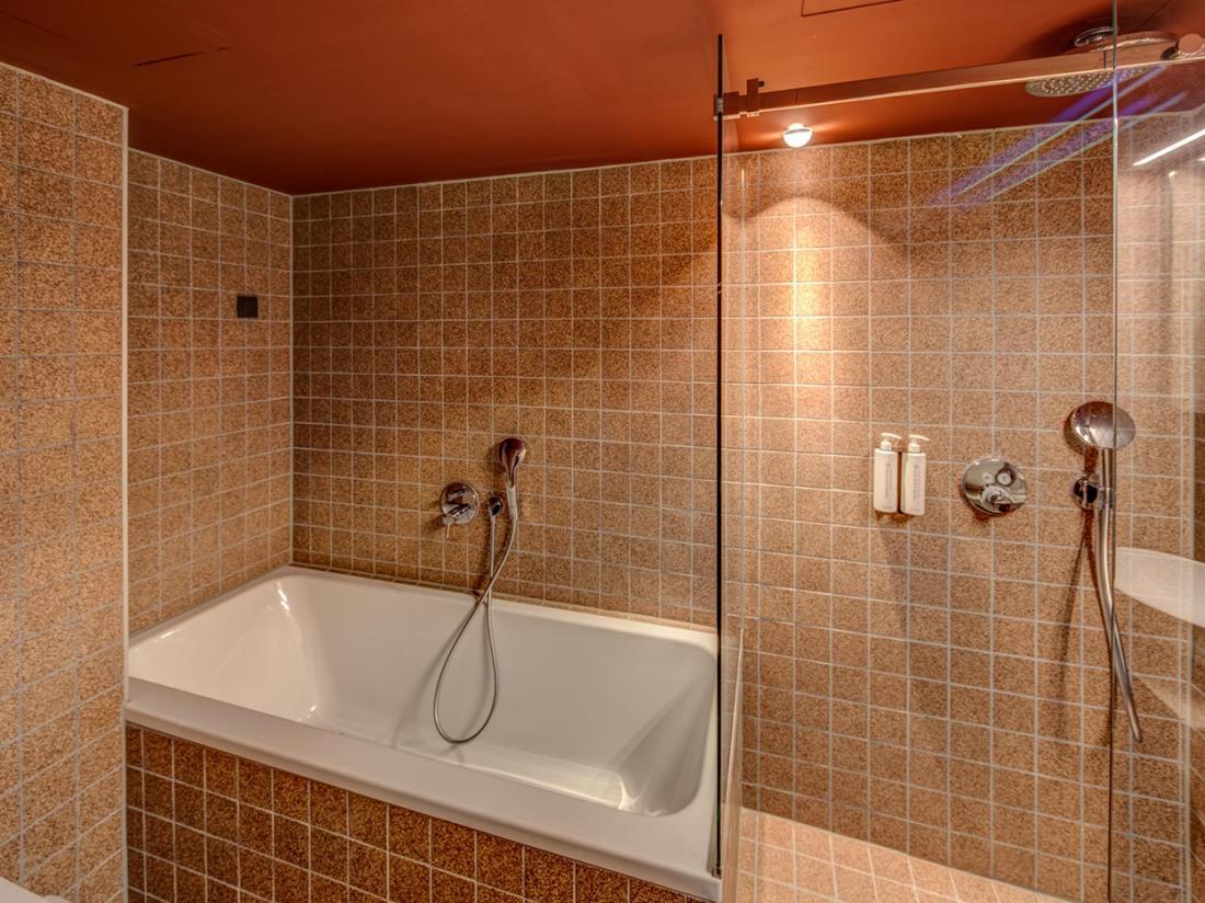 Hotel van de Vijsel Weekendjeweg Amsterdam Comfortkamer Badkamer