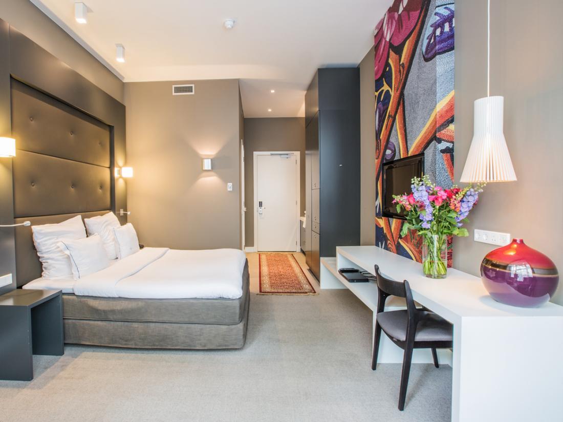 Hotel JLNo76 Hotelovernachting Amsterdam Hotelkamer