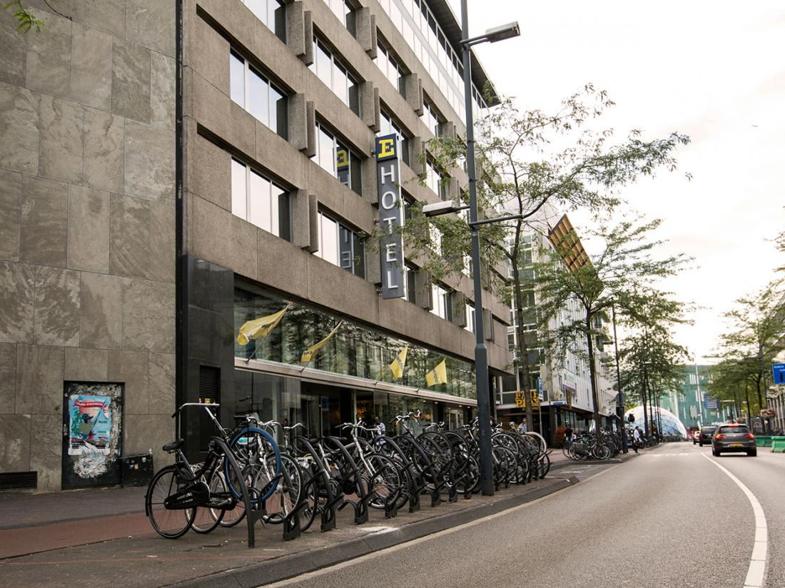 Crown Hotel Eindhoven Buitenaanzicht