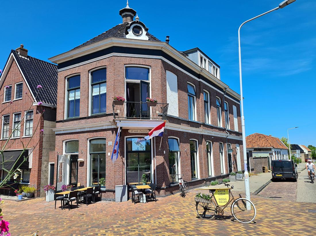 Hotel Herberg Joure Friesland Weekendjeweg Entree
