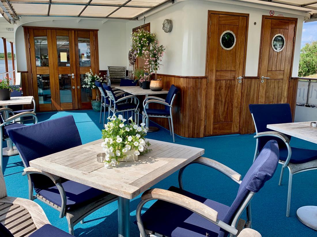 hotelboat merlijn dordrecht terras