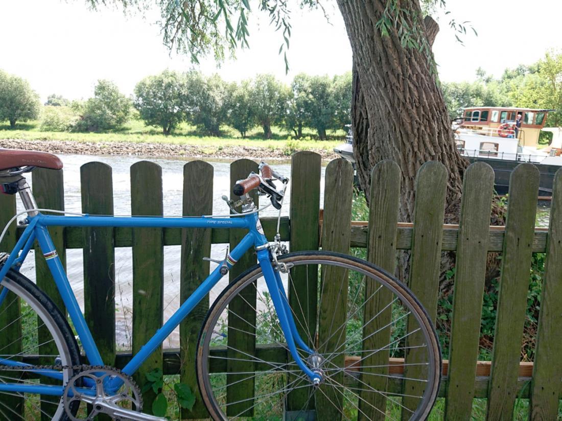 hotelboat merlijn hotelkamer fiets