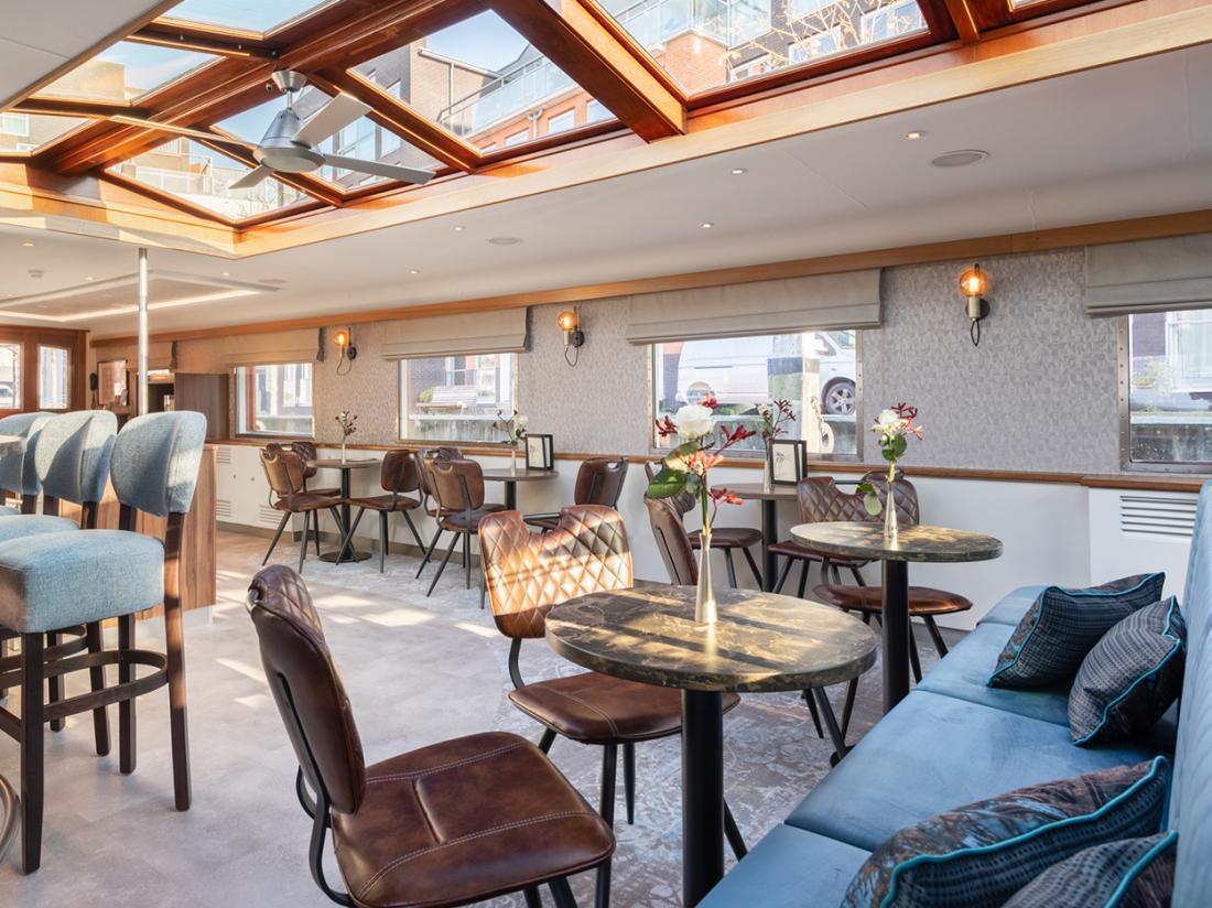 hotelboat merlijn hotelkamer lounge