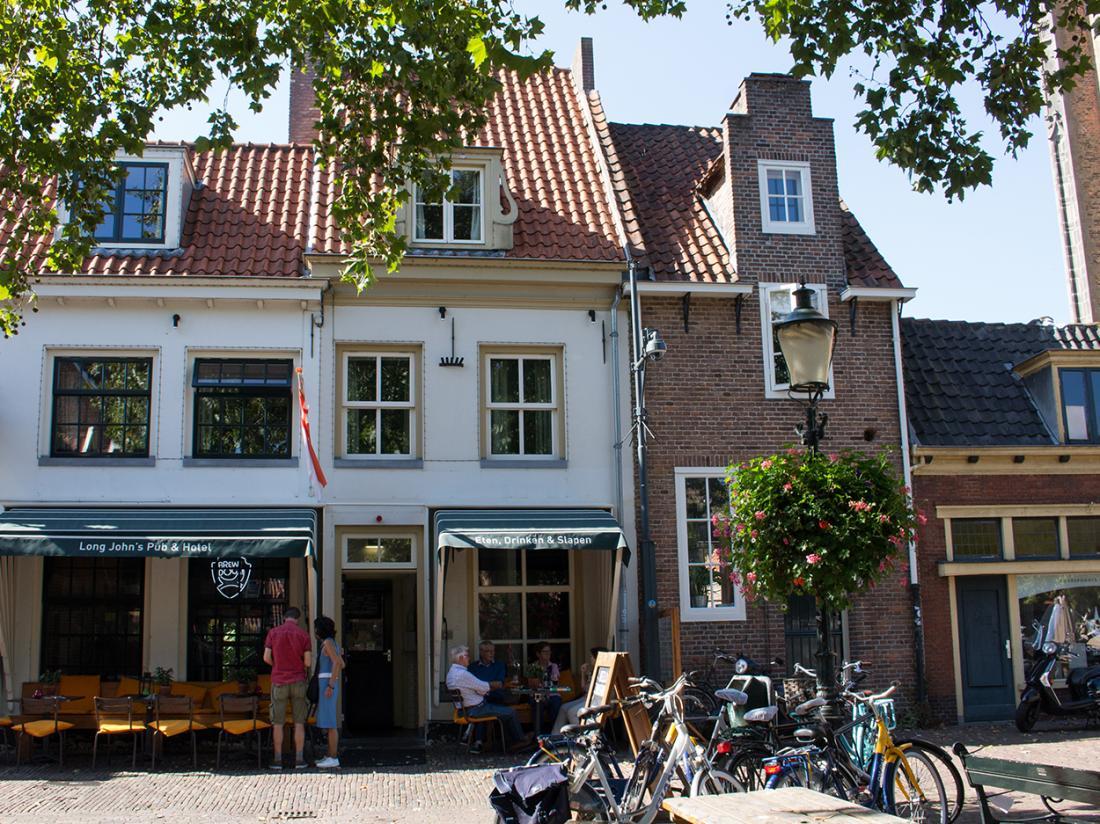 Lange Jan Hotel Amersfoort Weekendjeweg Buitenaanzicht Terras