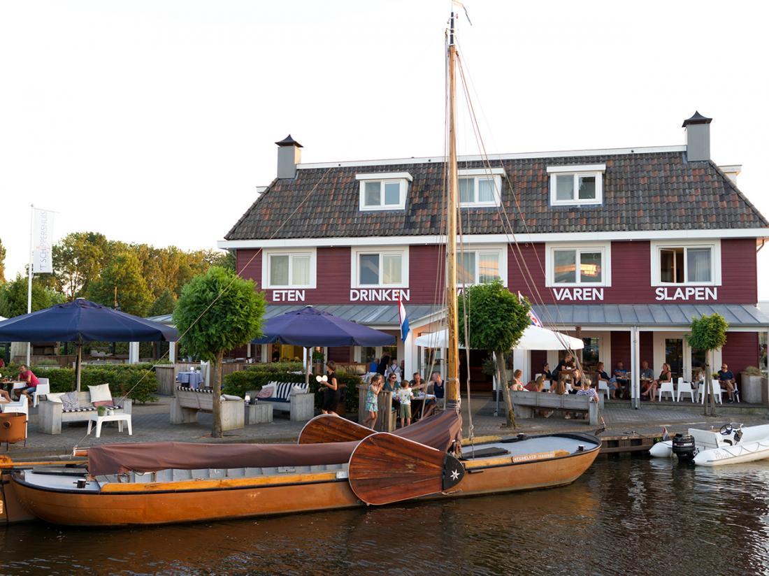 Hotelaanbieding t schippershuis friesland voortkant