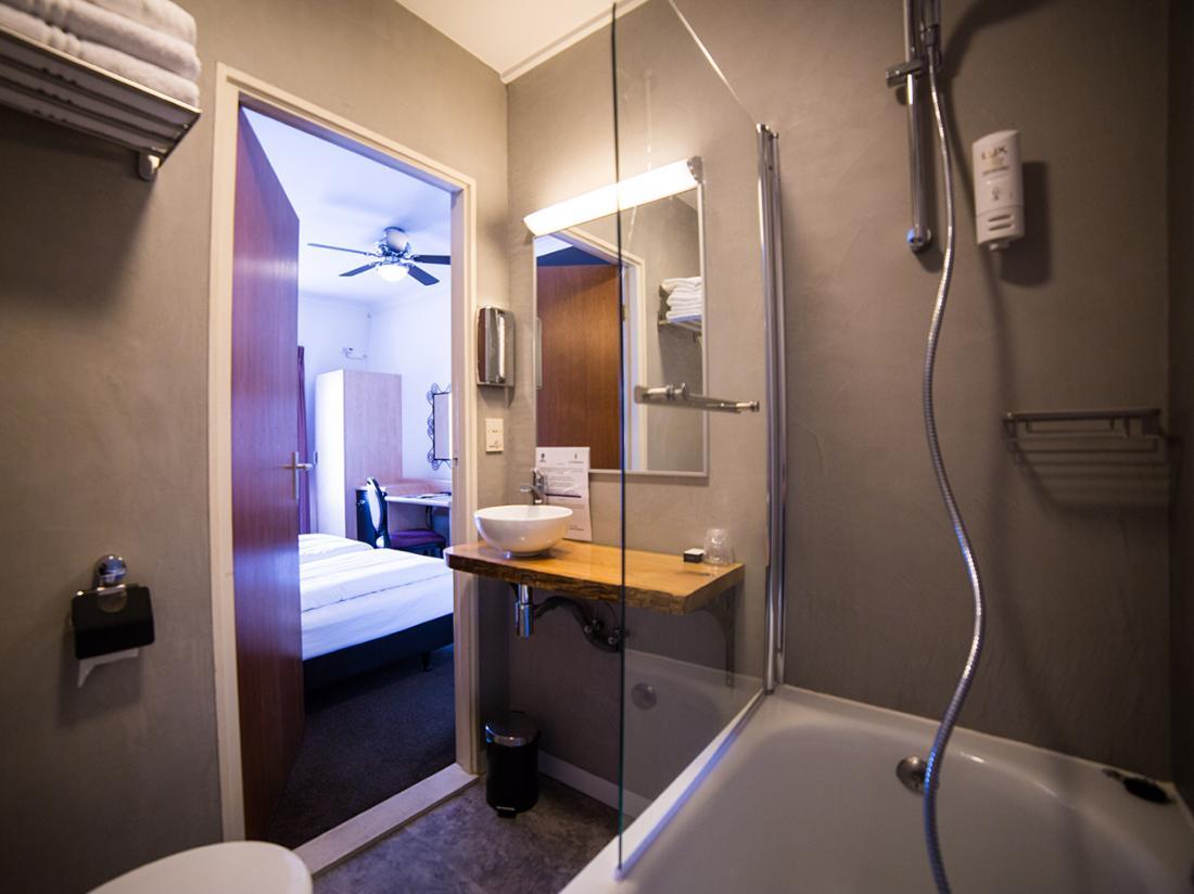 Hotelarrangement Made Badkamer