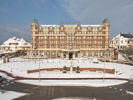 Palace Hotel Noordwijk vooraanzicht winter