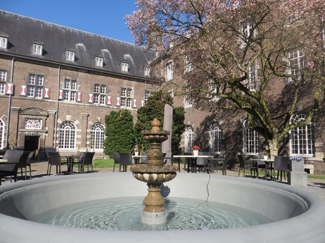 Hotel Abdij Rolduc Limburg Kerkrade Terras