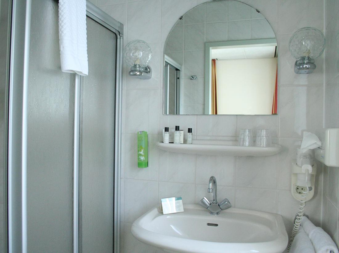 Hotel Dorhout Mees Biddinghuizen Badkamer Comfort