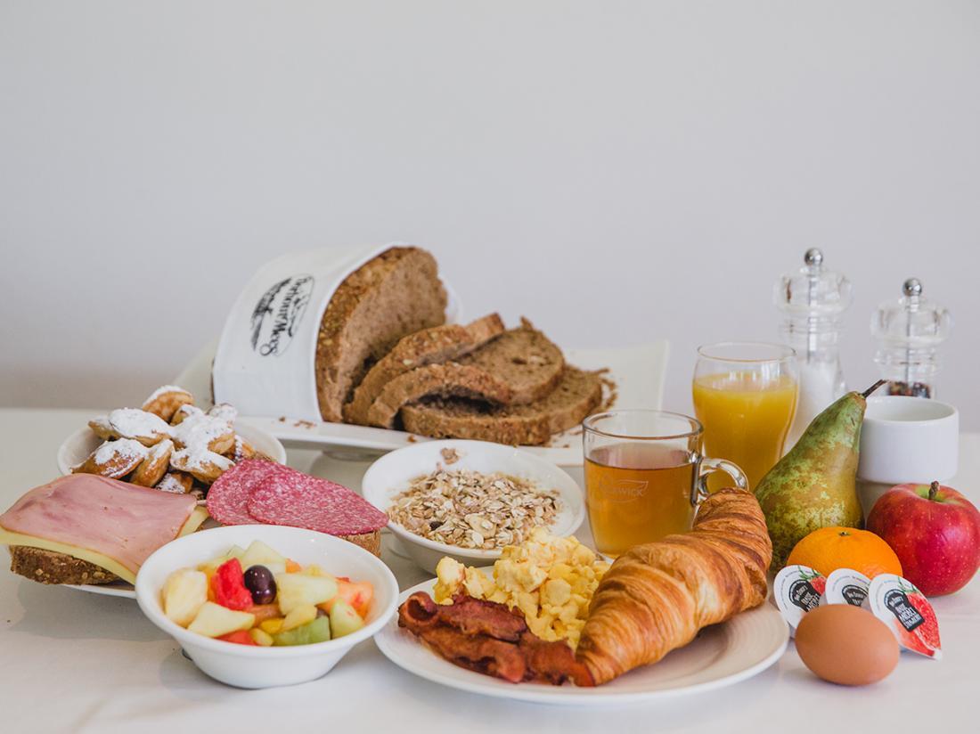 Hotel Dorhout Mees Biddinghuizen Ontbijtje