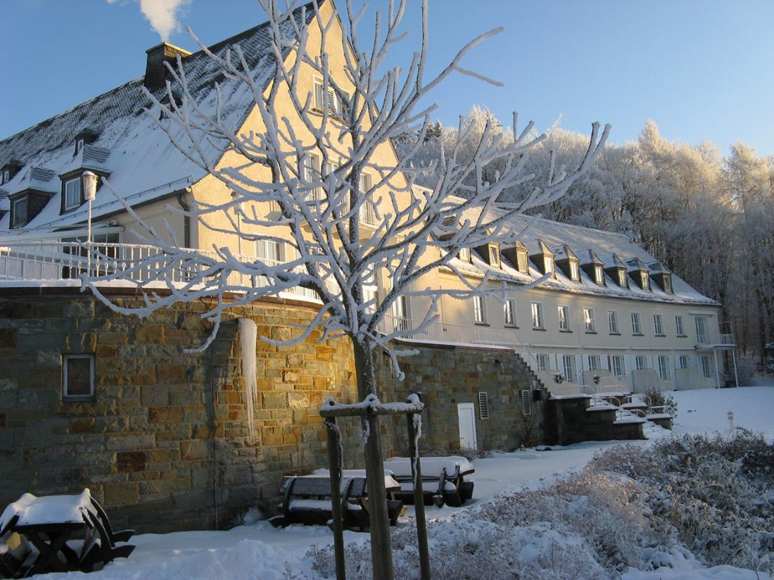 Weekendjeweg Meschede Mennesee hotel winter