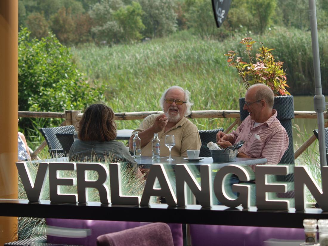 Resort land en zee scharendijke exterieur terras restaurant