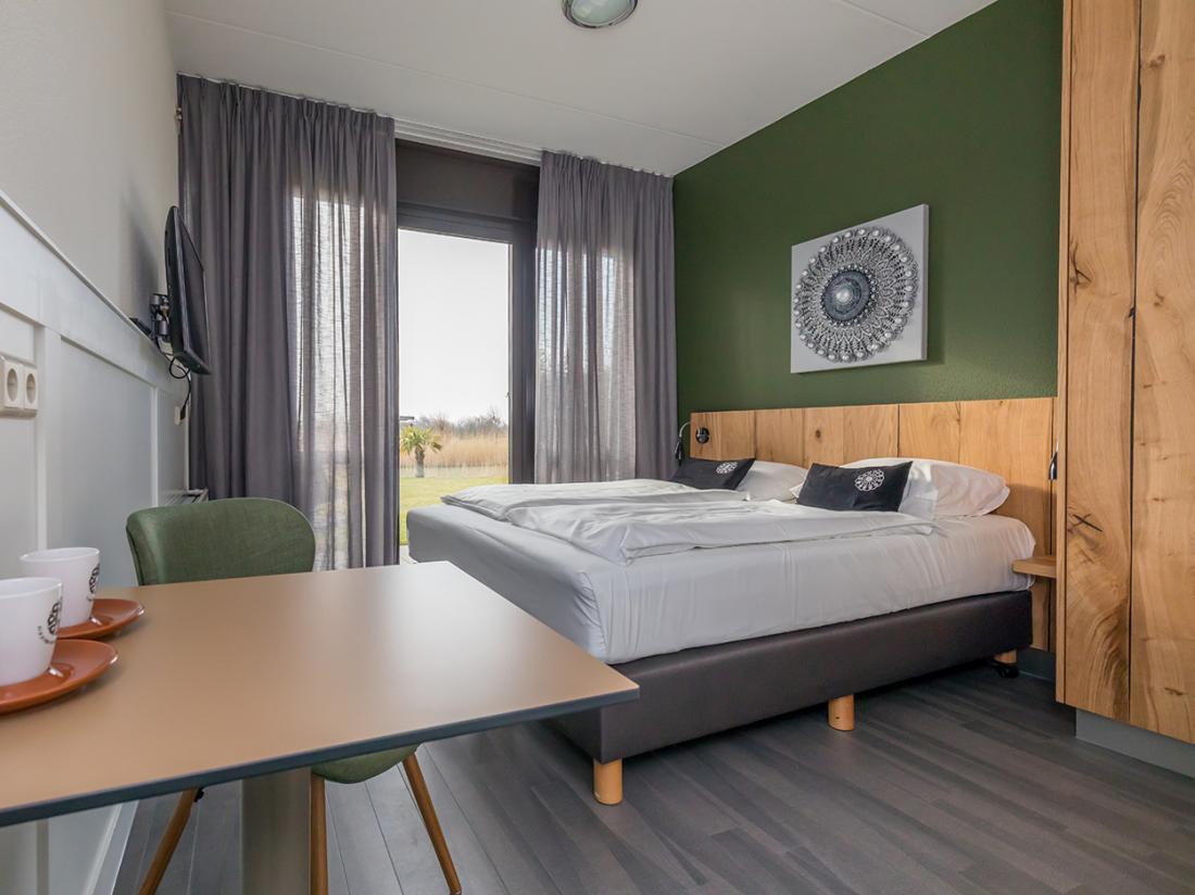 Resort land en zee scharendijke interieur standaard kamer