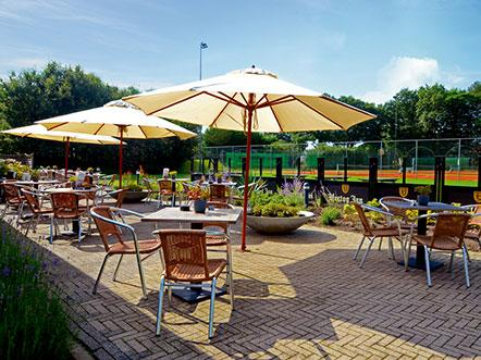 Fletcher Hotel Restaurant Heidehof Friesland terras