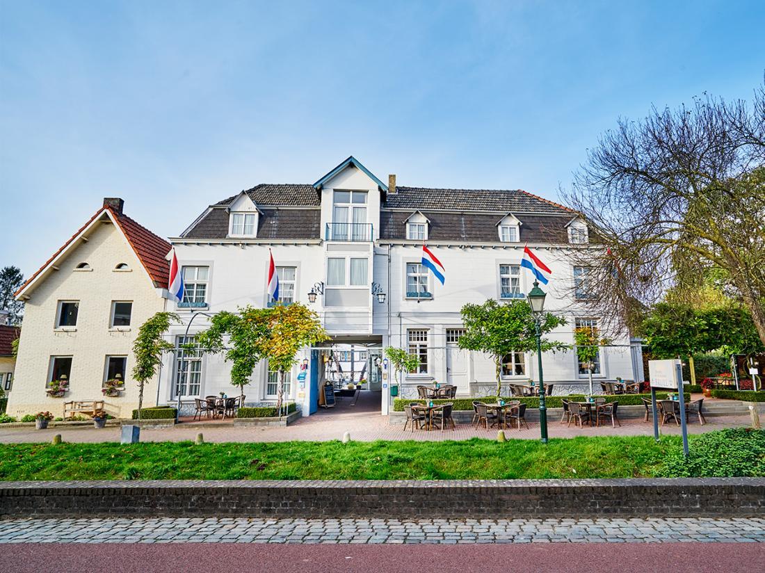Hotel Brull Limburg hotel vooraanzicht