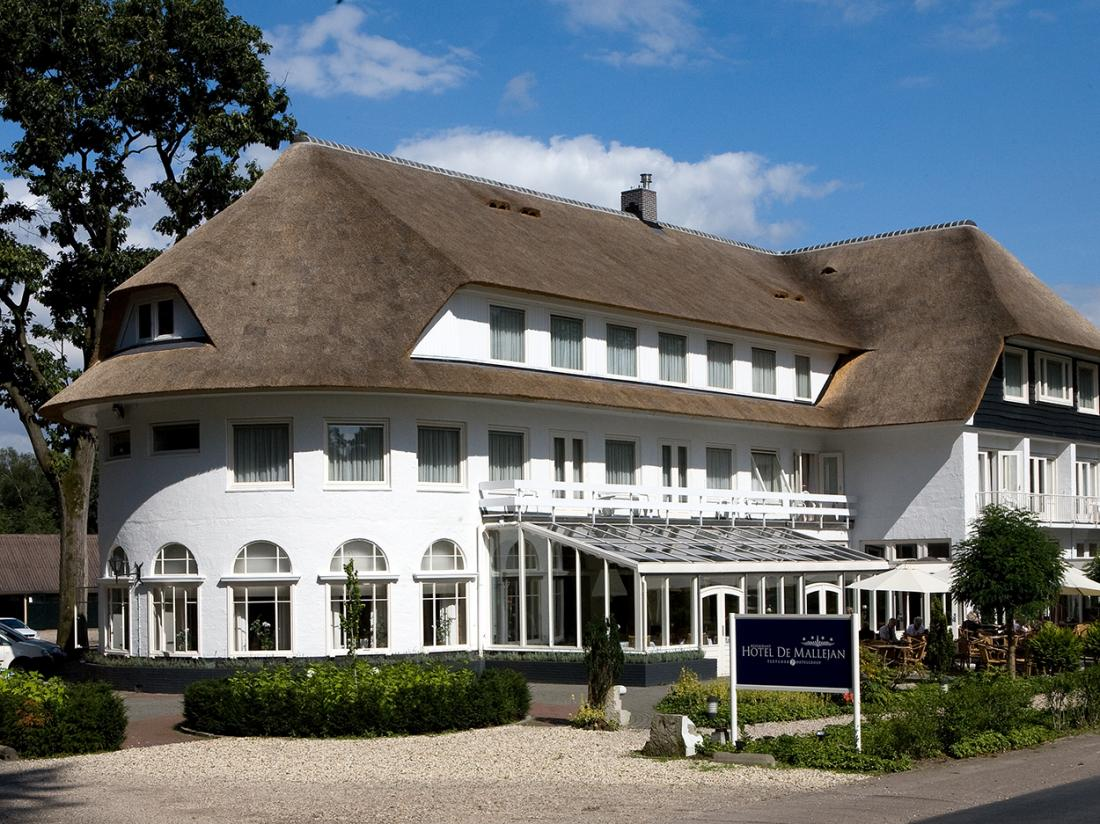 Fletcher Hotel Mallejan Vierhouten Vooraanzicht