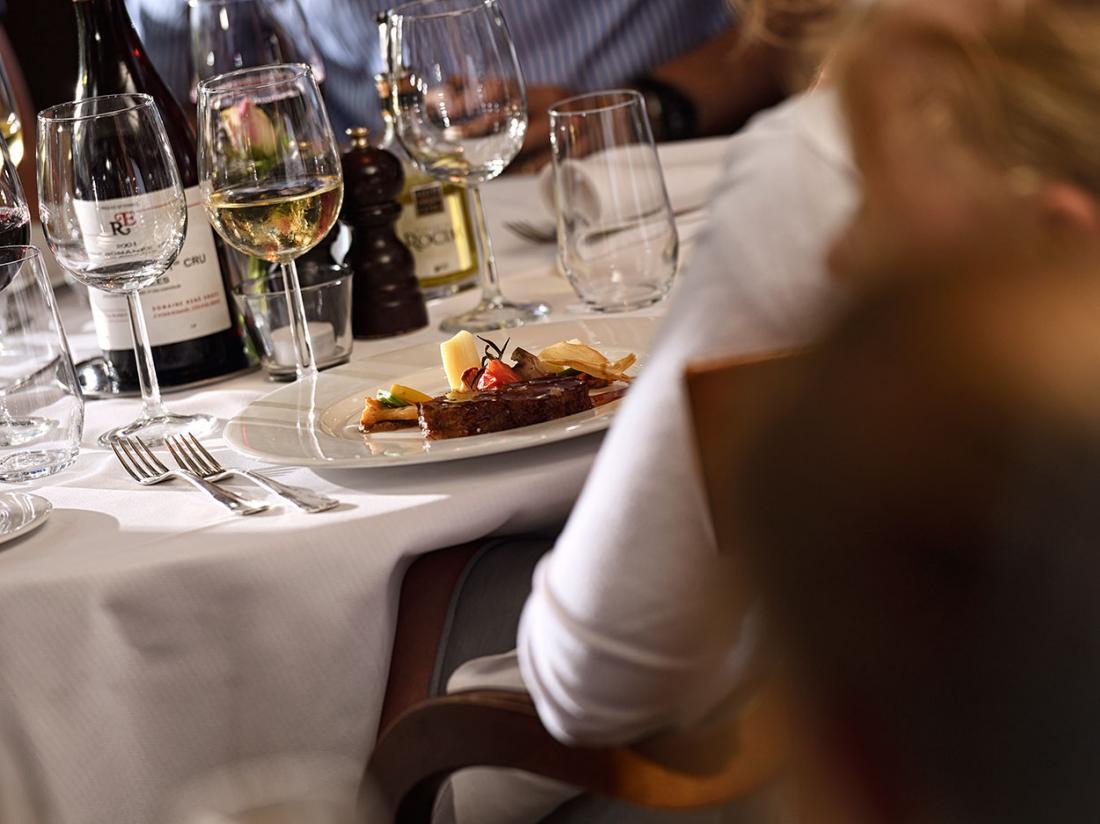landgoed de holteweijde gerecht op tafel tijdens diner