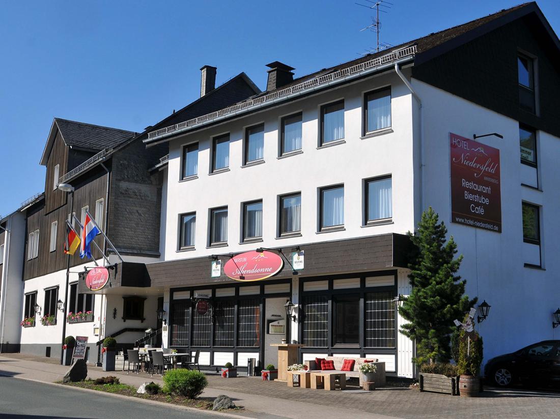 Hotelaanbieding Hotel Niedersfeld Voorzijde