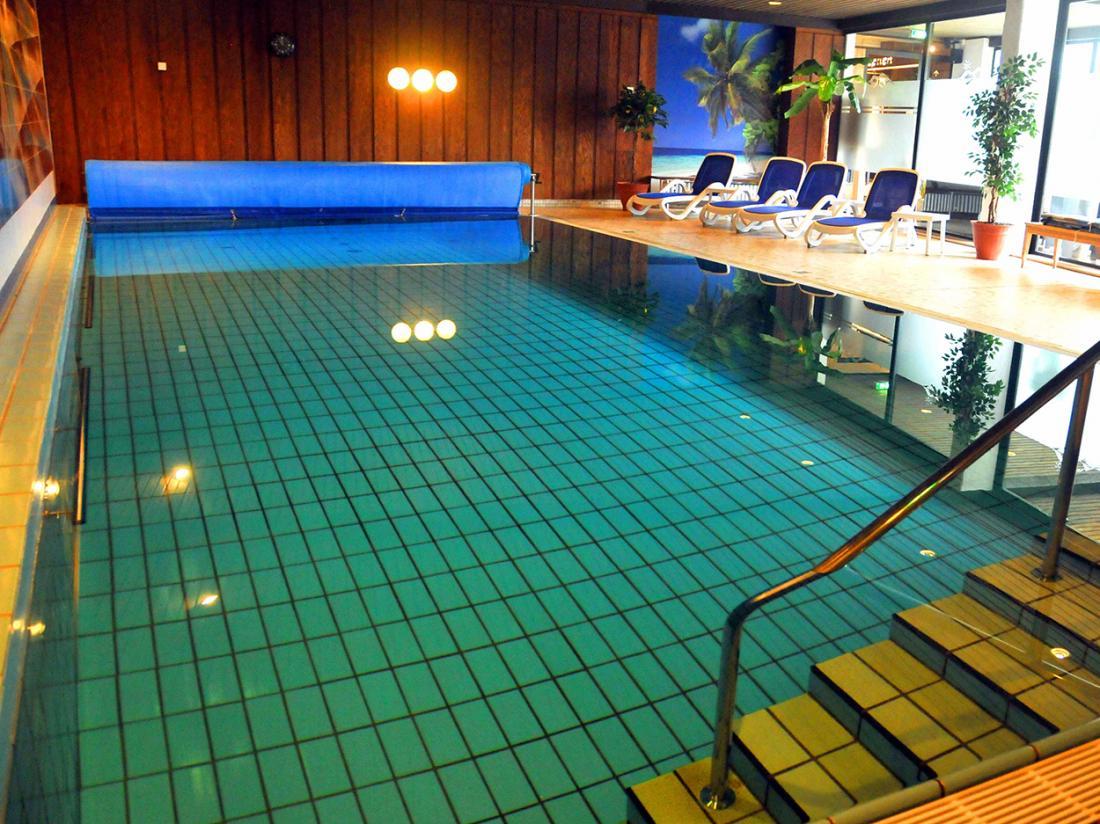 Hotelaanbieding Hotel Niedersfeld Zwembad
