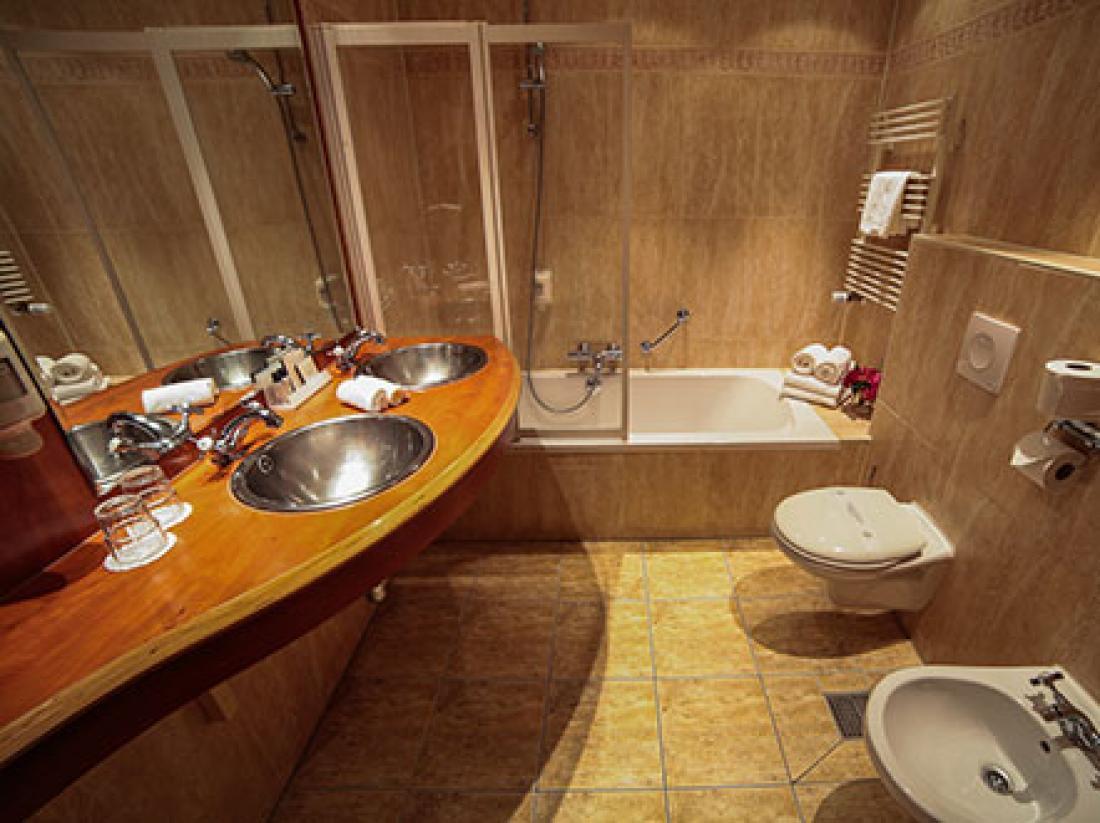 HotelarrangementAmacitiaSneekBadkamer