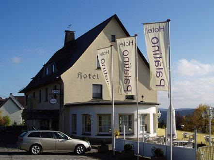 hotel palatino sauerland duitsland sorpersee hotel zijaanzicht