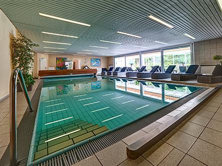 parkhotel schloss meisdorf duitsland zwembad