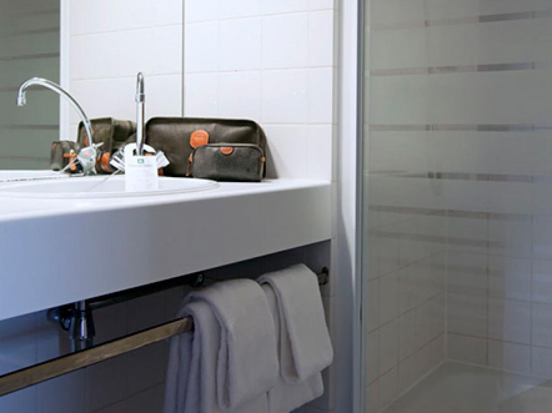 hampshire hotel plaza groningen badkamer