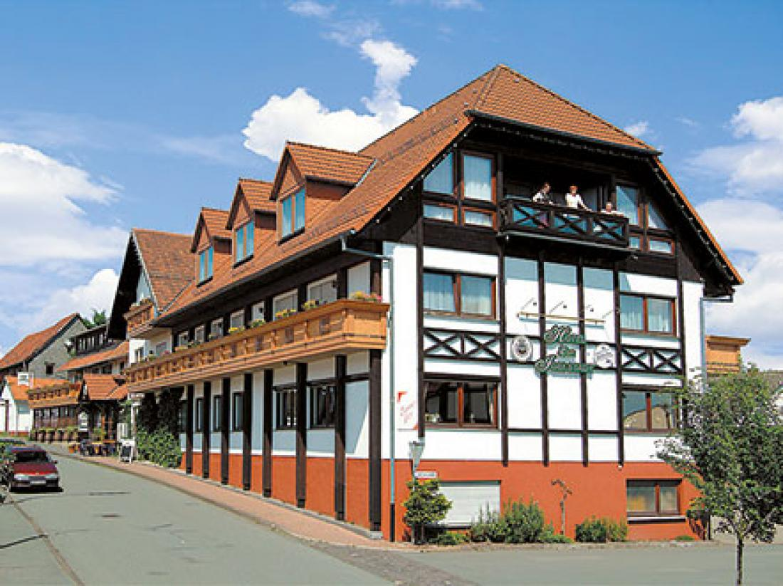 Weekendjeweg Sauerland hotelaanzicht