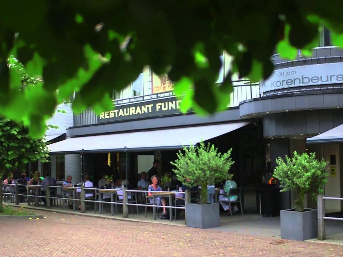 Hotel De Korenbeurs Made Restaurant Buitenaanzicht