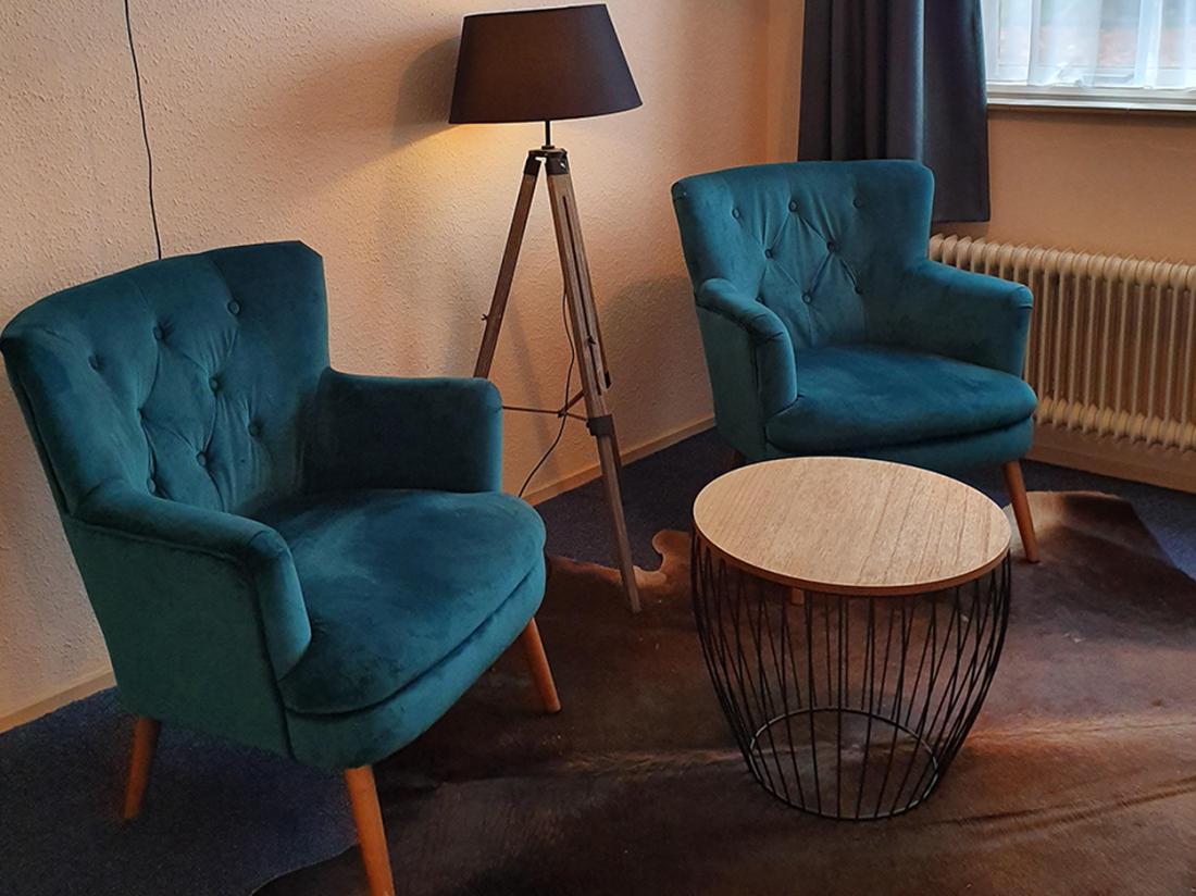 Hotel Karsten Weekendjeweg Norg Drenthe Hotelkamer Zitje