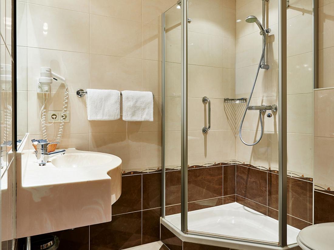 Hotelaanbieidng De Lutte Badkamer